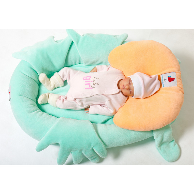 Nest for positioning newborns weighing up to 4.5 kg